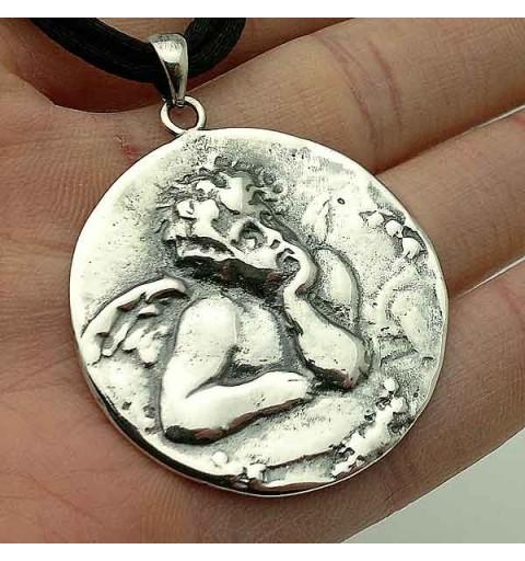 Cherub pendant in silver