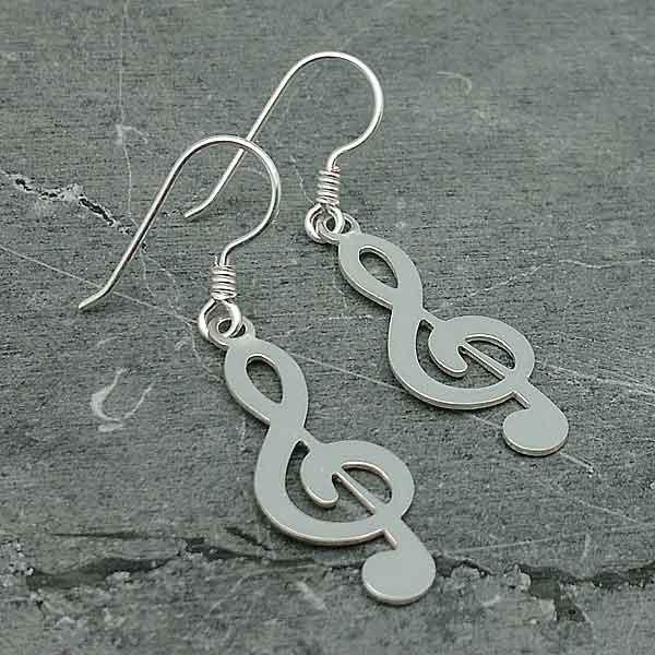 Earrings, treble clef