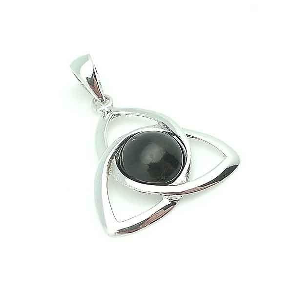 Triqueta pendant in silver
