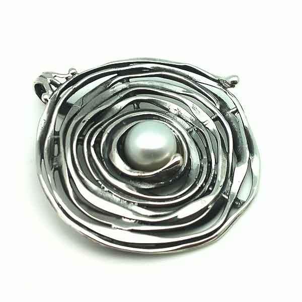Colgante artesanal, plata y perla