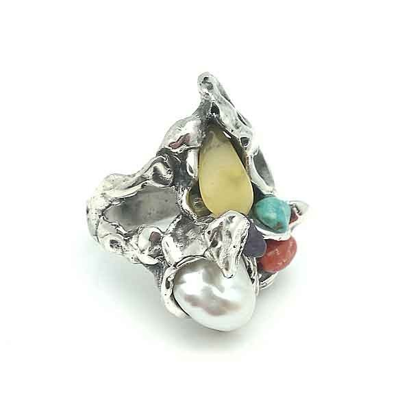 Ring silver and stones