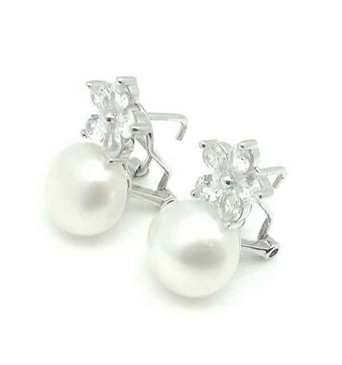 Pearl earrings, omega clasp