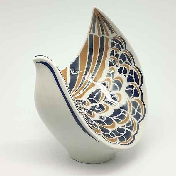 Paloma de porcelana, Galos.