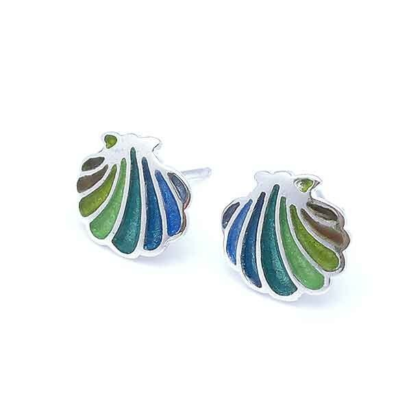 Earrings in silver shell