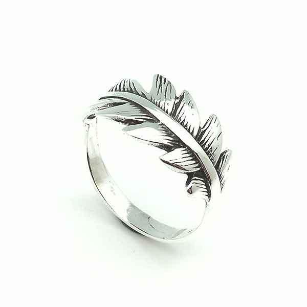 Silver ring, leaf