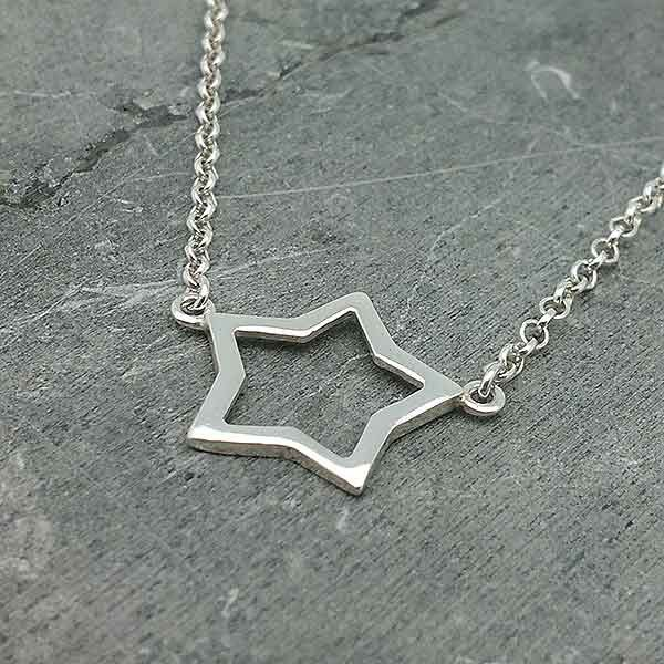 Stitched star choker