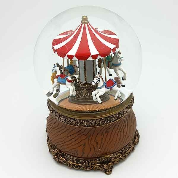Snowball with carousel