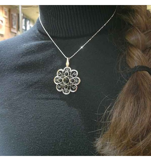 Jet flower pendant