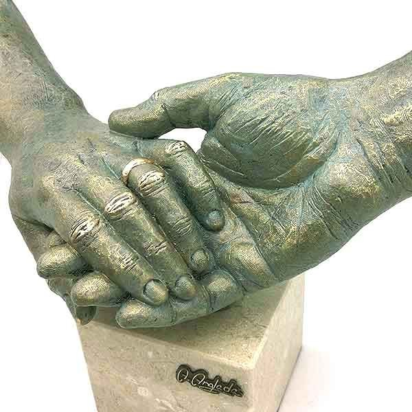 Tu mano en la mia
