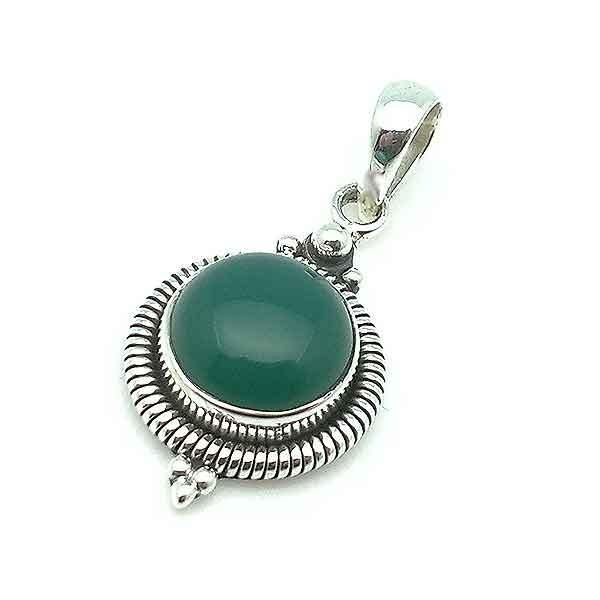 Silver and aventurine pendant
