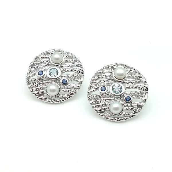 Earrings made of natural stones and silver