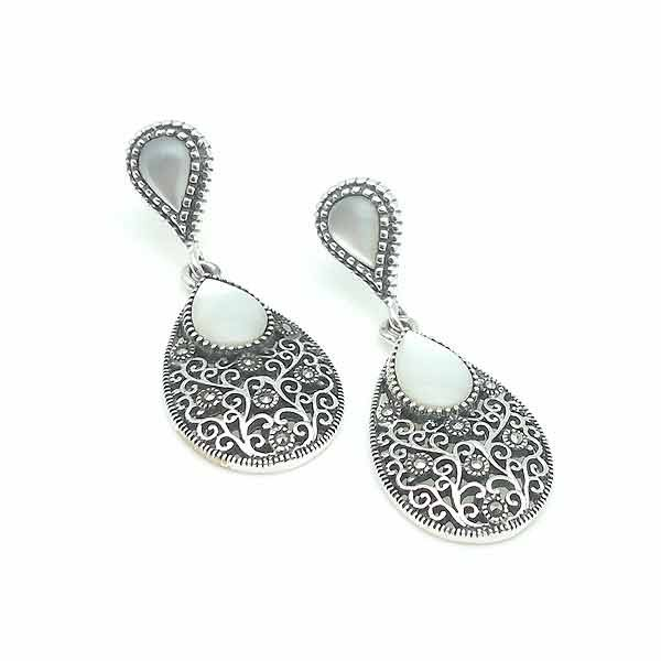 White nacre earrings