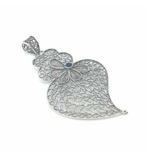 Viana heart pendant with enamel
