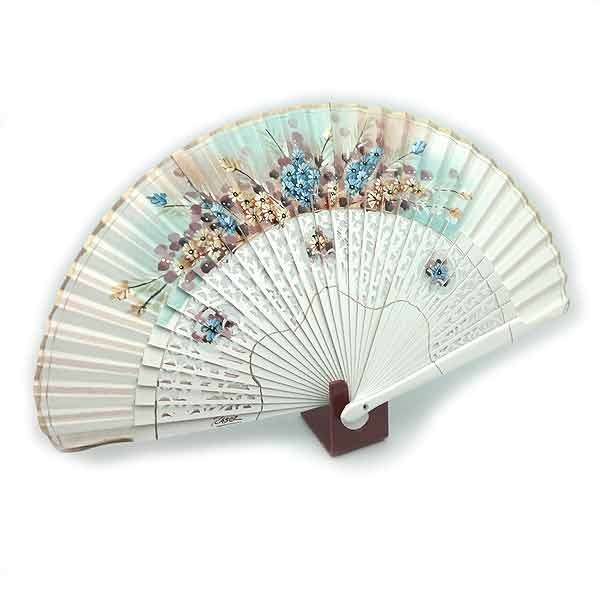 Open white fan
