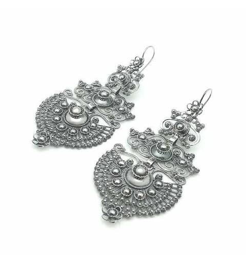 Filigree long earrings