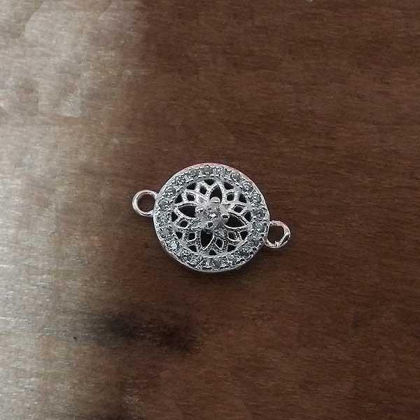 Filigree bracelet with zirconias