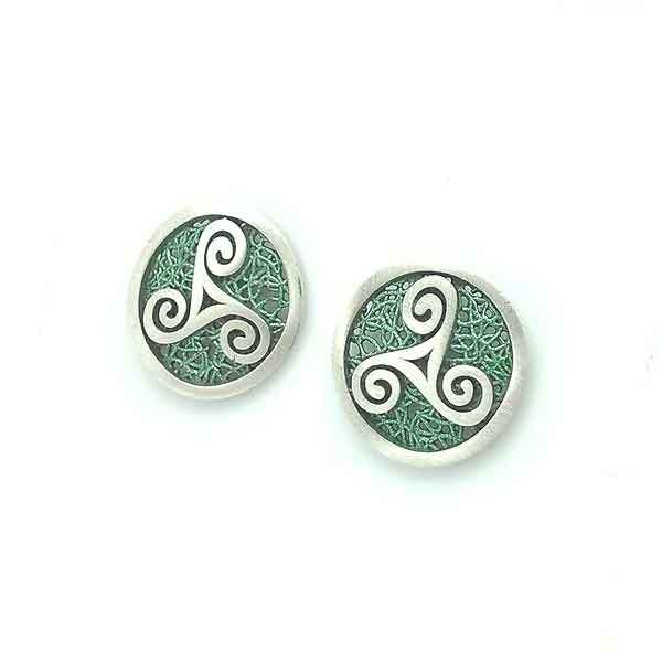 Green trisquel earrings