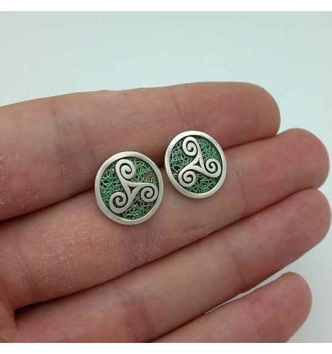 Green trisquel earrings