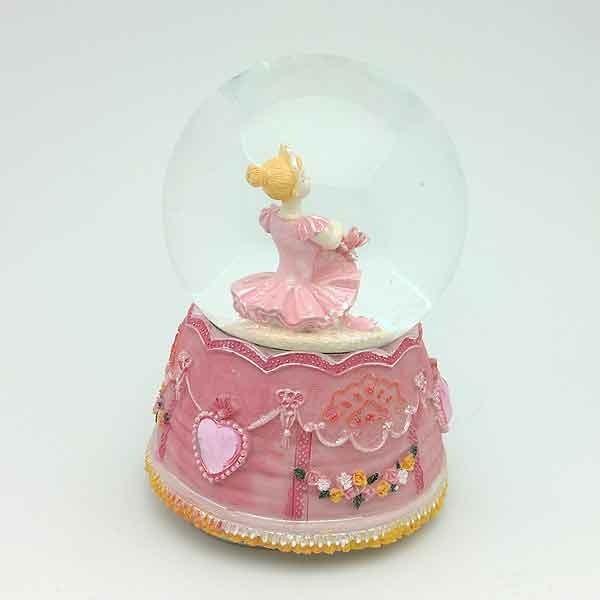 Bola de nieve bailarina pequeña