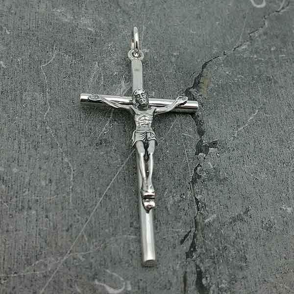 Crucifijo de plata