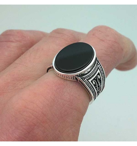 Onyx seal ring