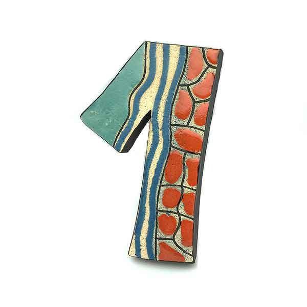 Número uno, en cerámica.
