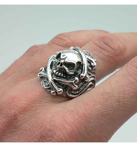 Skull silver ring