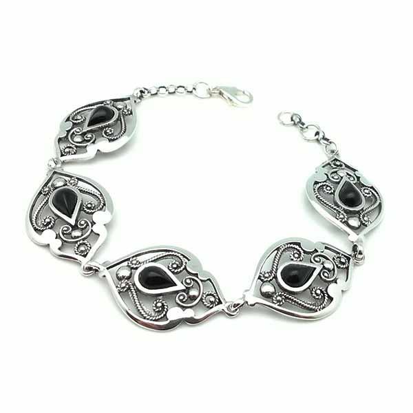 Jet bracelet