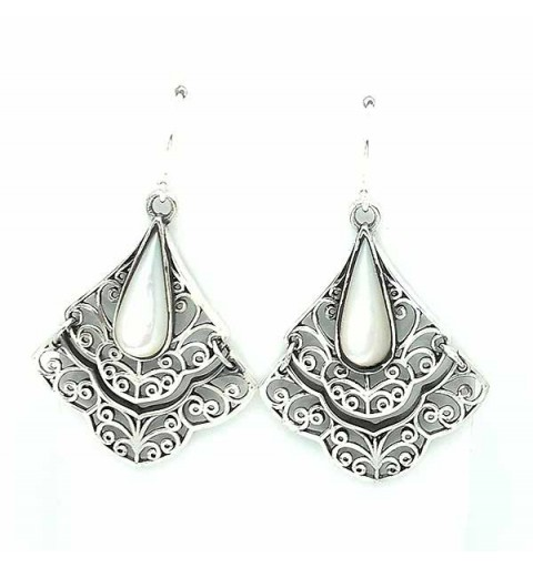 Silver earrings nacre