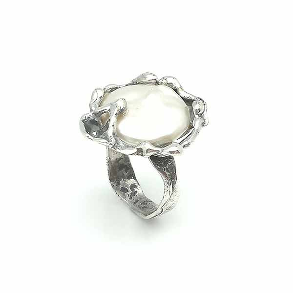 Silver ring, pearl coin