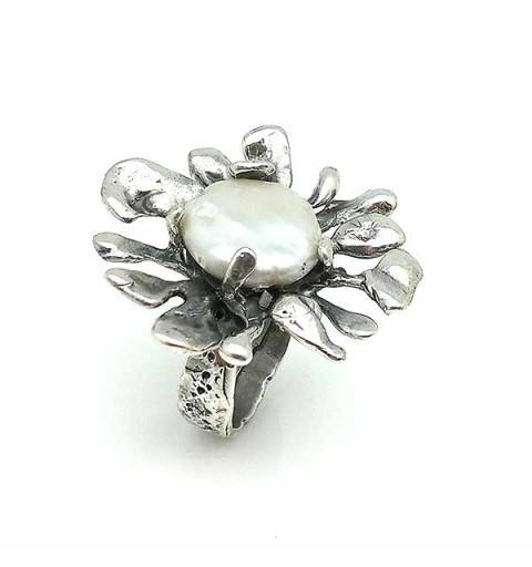 Anillo en plata y perla, joyería contemporánea