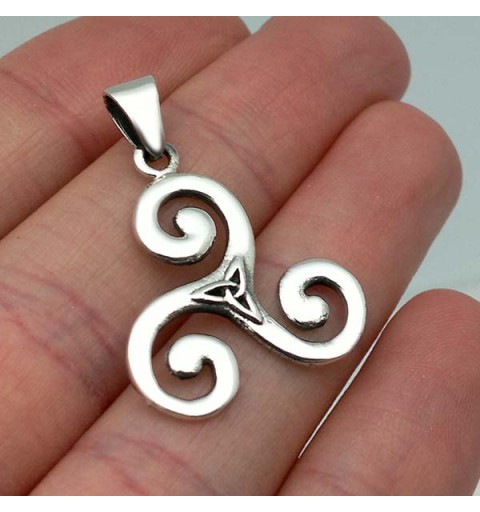 Trisquel with triqueta in sterling silver