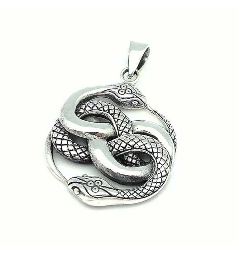 Celtic pendant in silver with the symbol Wuibre