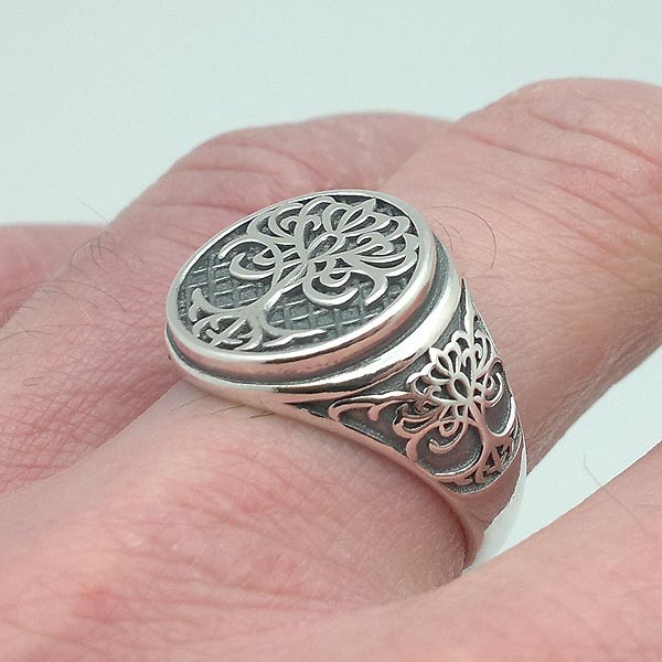 Silver ring, unisex, with tree of life.