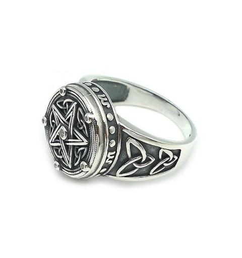 Silver ring, tetragramatón.