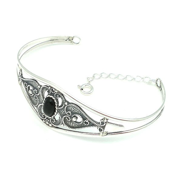 Rigid bracelet, silver and jet.