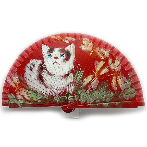 Abanico en tonos rojos, con un bonito gato