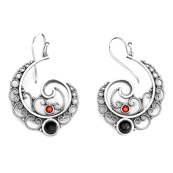 Spiral earrings, in sterling silver, jet and coral.