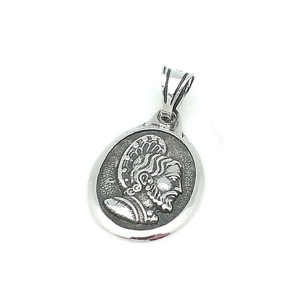 Medalla de tamaño pequeño, recreando a Santiago Apóstol.