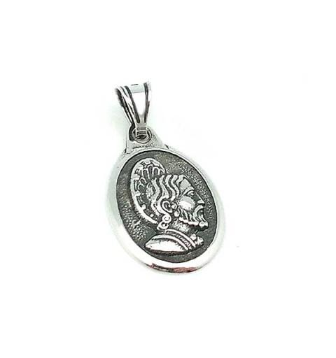 Small size medal, recreating Santiago Apóstol.
