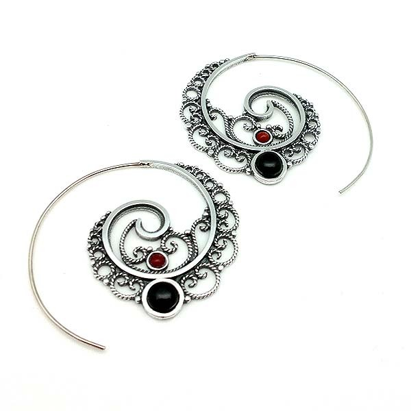 Hoop earrings, in sterling silver, jet and coral.