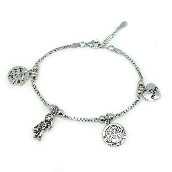 Bracelet, my sister is the best.