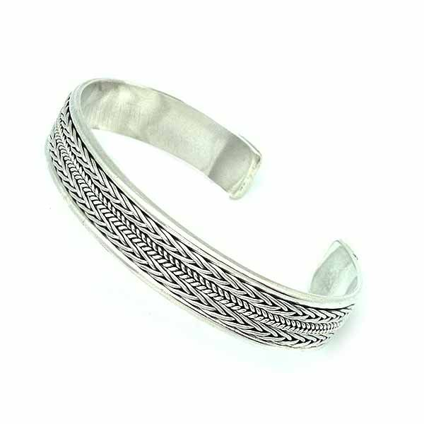 Unisex bracelet in sterling silver.