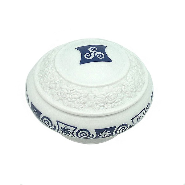Porcelain box with relief