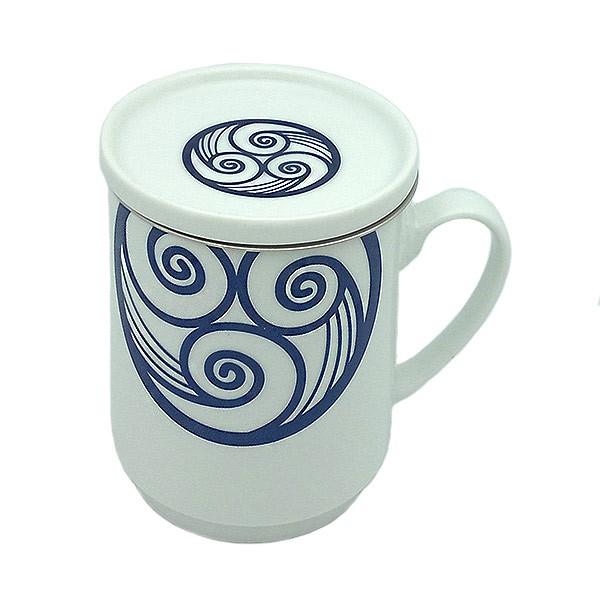 Trisquel tea cup