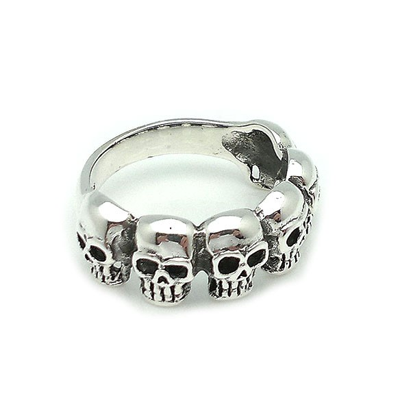 Ring with six skulls, made of sterling silver.
