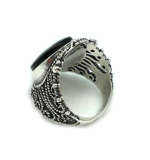 Wide ring, in silver and jet.