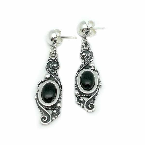 Sterling silver and jet earrings, made with the filigree technique.