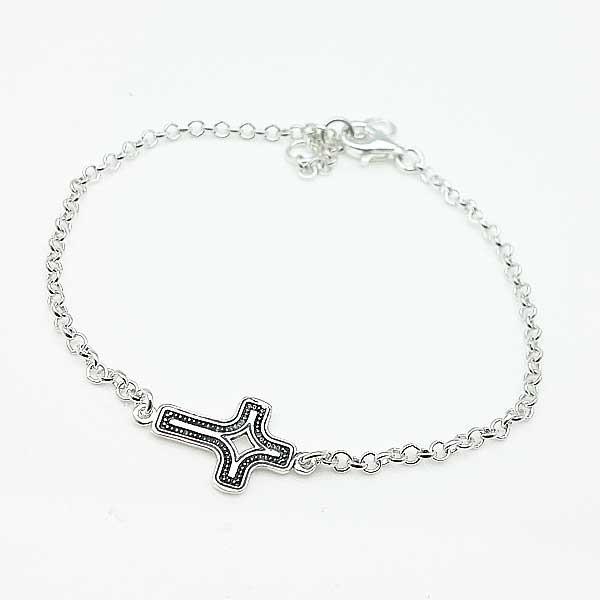 Pulsera plata con cruz