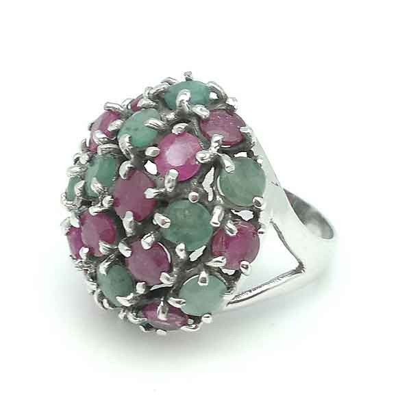 Ring with rubies and emeralds